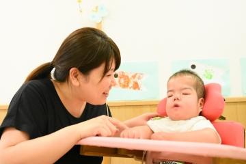 障害児保育園ヘレンでの保育の様子