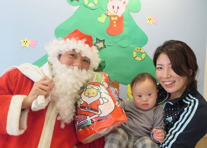 【障害児保育園ヘレン】西友様からクリスマスプレゼントが届きました!